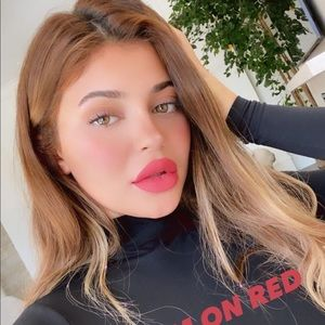Kylie Cosmetics Makeup - Leave Him On Red Lip Kit Kylie Cosmetics